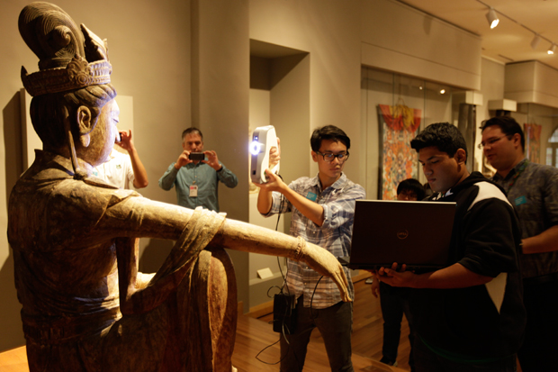 Students begin scanning 'Guanyin'