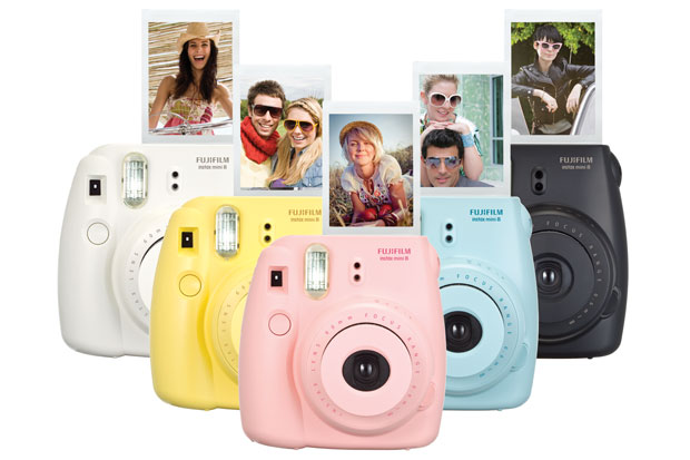 Fujifilm's instax mini 8 is a perfect party starter