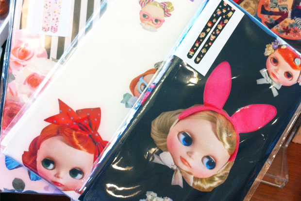 Blythe doll tights give a girl a leg up on the competition!