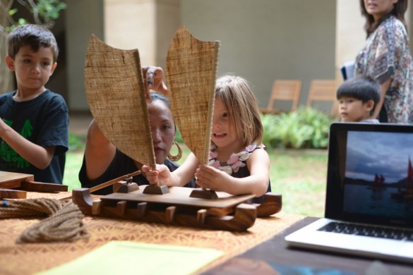 Kids learning about the Hōkūleʻa at Bank of Hawaii Family Sunday: Following Stars