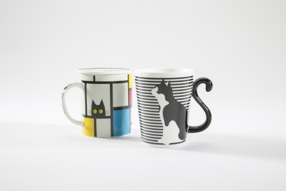 Classy mugs for cultured cat-lovers