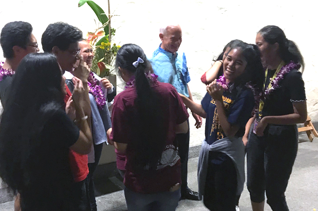 Mayor Kirk Caldwell with Farrington High School volunteers, who are an essential part of Bank of Hawaii Family Sunday.