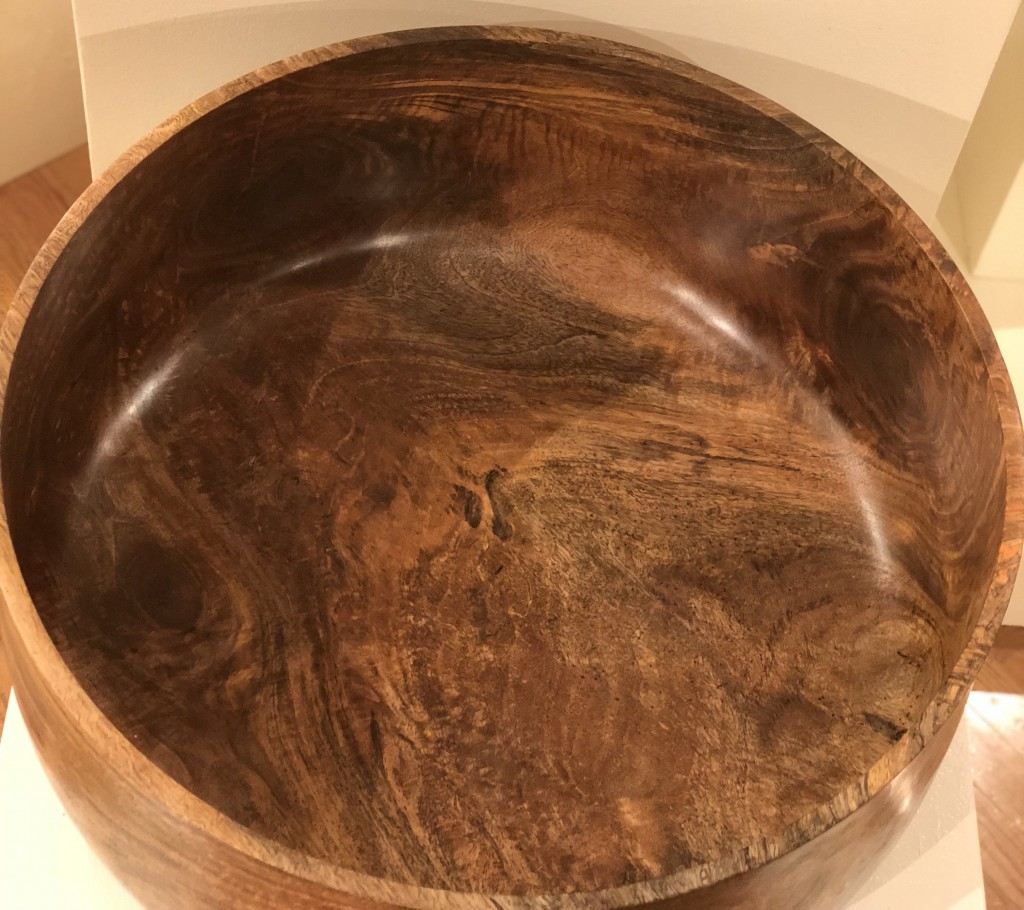 The beautiful grain Cole achieved with the mango tree wood.