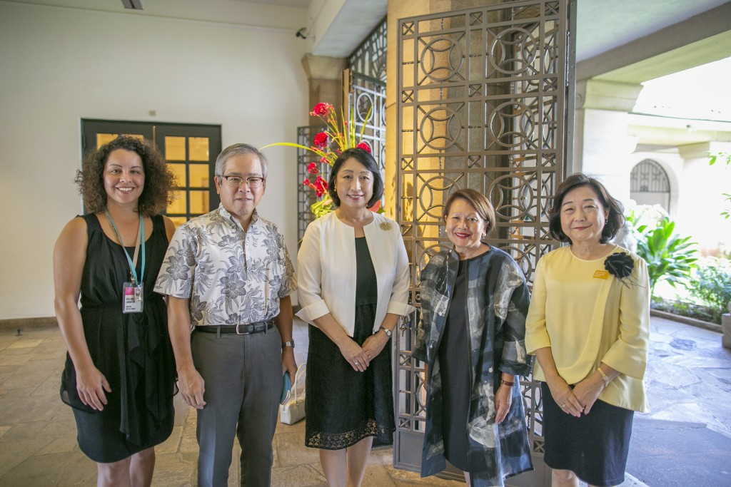 From left to right: Healoha Johnston, Consul General of Japan Koichi Ito, Donna Tanoue, Misako Ito